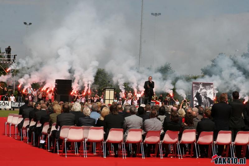 Photos Pyrotechnie (Torches, Pots à Fumée...) - Page 27 19