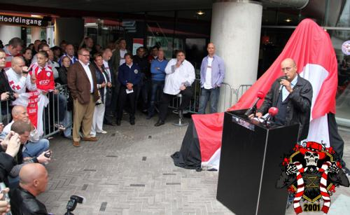 Onthulling standbeeld Bobby Haarms