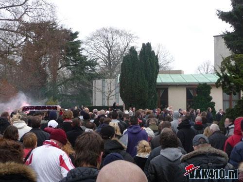 Crematie Sjakie Wolfs